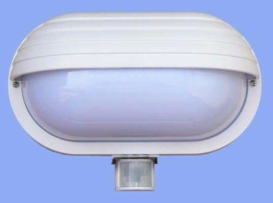 Svítidlo s čidlem pohybu (infraspínačem) nástěnné 60W- Hutermann Oval Pir-Mikro bílé